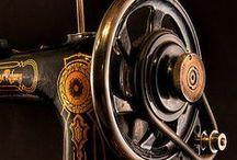 Old  Sewing  Machine / A varrógépek az életünk  részei.