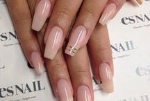 Gel Nails / Some looks may be achieved only through nail enhancements aka gel nails or acrylic nails. What I like about those is the variety of shapes and nail-art designs that is rendered possible.