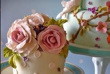 WEDDING CUPCAKES/CAKES
