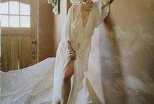 The lady in white / wedding, mariage, bride, mariée, cool bride, wedding dress, robe de mariée, bridal dress, wedding inspiration