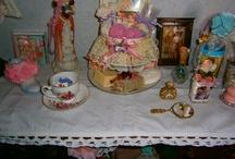 Coccole / arredamento shabbychic-romantico,amante del rosa e dei colori pastello,pizzi,merletti,tazze,fiori.