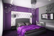 Fialová spálňa - purple bedroom  / Pri spálni vyhráva harmónia, preto skôr ako čokoľvek iné, budeme presadzovať jemné tónovanie a držíme sa zásady, že menej je viac. Medzi naozaj obľúbené koncepcie patrí fialová škála. Upokojuje srdcový rytmus a navodzuje pohodu. Čo viac treba pre sladké sny? Ak sa nebojíte priliať do postele trochu vášne, koketujte s fialovou, práve ona okorení miestnosť vášňou. Veď v posteli nemusíme len spávať...