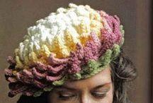 Вяжем шапки, шарфы, накидки, пончо / Идеи, модели , схемы для вязания / by Lana Vanina