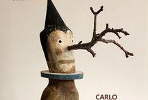 Llibres de Isidro Ferrer  / Isidro Ferrer Sória, il·lustrador i dissenyador. Ha escrit: «Del color azul me gusta el azul. De los perros me gusta que tengan plumas de caballo. Me gusta encontrar las caras escondidas en un taco de madera, las caras reveladas en un sello, en una moneda. De las hojas me gusta el libro. De la pared me quedo con un cartel; aunque de la pared también me gusta el laberinto».