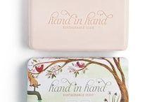 "Hand in Hand Soap / ""Compra un jabón, regala un jabón"""
