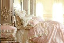 Houses:  Bedrooms (Mostly Elegant) / by Constance Bendixen