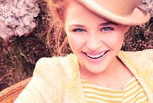 Chloë Grace Mortez / Chloë Grace Moretz is an American actress and model. She began her acting career in 2004 at the age of seven, and her first award nomination came the following year for The Amityville Horror. Rising higher & higher each time / by Claudia