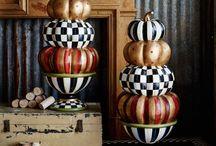 Cosy ♡ Kürbis / We ♡ Pumpkins! Welch glücklicher Zufall, dass man mit Kürbissen nicht nur leckere Suppe und gruselige Geister machen kann, sondern, Acrylfarbe sei Dank, auch eine ganz famose, minimalistische Kürbisdeko.