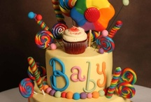 Newborn / Bring in you bundle of joy with one of our cakes.