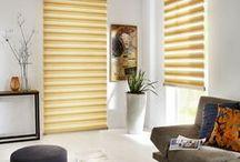 Árnyékolók a nappaliba / A nappali házunk központi tere. Itt a legnagyobb a nyüzsgés, hiszen itt töltjük legszívesebben a lakásunkban lévő idő legtöbb részét. Éppen ezért fontos, hogy a lehető legkomfortosabbá tegyük nappalinkat. A megfelelő színek megválasztásával harmóniát teremthetünk a szobában, míg árnyékolóink a kinti ingerektől óvnak minket.  Alkalmazzuk együtt a két praktikát a biztos eredményért. És hogy milyen árnyékoló választása a legpraktikusabb ebben a szobába? Kis válogatásunkból megtudhatod!