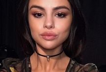 <Selena>