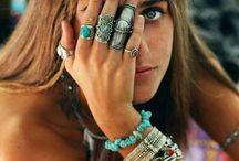 Beautiful jewlery / Not your run of the mill jewellery