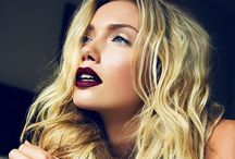 Dark lipstick / Makeup