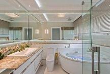 Banheiros | Bathroom / Veja muito mais fotos, dicas e informações técnicas de cada BANHEIRO no blog Decor Salteado!  É só clicar nas imagens! ; - )