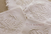 TABLECLOTHS NAPKINS MONOGRAMS AND SEATING CARDS