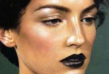Makeup / by Layla Arauj