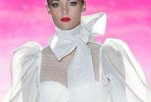 SNOWWHITE LOOKS NICE / White or cream womens colour fashion that looks great..