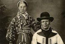 Folk costumes (Bunad) from Telemark, Norway) / Bilder av folkedrakter fra Telemark Beltestakk, Raudtrøye m.m.fra Digitalt Museum og andre kilder