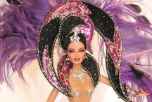 Bonequinha de Luxo ♥ / Barbie is a  example of the elegance through the centuries .