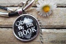 Sklepik Mola Książkowego / Sklepik Mola Książkowego to miejsce dla każdego miłośnika książek, który nie wstydzi się, że czyta! Ba, jest z tego dumny.