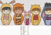 Punto croce bamboline Kokeshi
