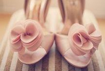 Court shoe (lodičky)
