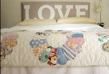 Applique, patchwork and quilts / by Susanne Holdersen