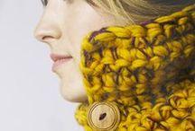 Cuello Botones deCamino FW/14 / Cuellos con botones de madera deCamino. Todos los productos están tejidos a manos en España. Entra en nuestra tienda online! www.decamino.info