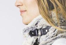 Cuello Piel Claro deCamino FW/14 / Cuello claro de piel sintética con broche en cuero negro. Forro interior sintético. Hecho a mano en España. Descubre más en nuestra tienda online! www.decamino.info