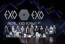 """EXO xoxo """" we are one"""" <3 / Setelah memperkenalkan semua member grup, EXO memulai debutnya. EXO K mulai debut pada 8 April 2012 di Program SBS Inkigayo dan EXO M pada Upacara Awards ke-12 'Yin Yue Feng Yun Bang'."""