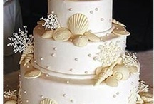Wedding theme: White & Champagne / Beautiful ideas for a white & champagne color themed wedding on a beach