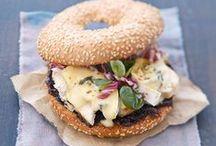 Sandwich / Bagel / Burger / Tout un tas de bonnes choses... entre deux tranches de pain :)
