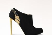 Shoes Addicted / by Elena Antoniou