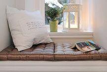 interior - book nook