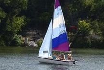 SAILBOATS / Austin Sailboat Rentals has several different size sailboats to rent by the hour or the day.  For beginners we ask that you take out a dinghy for two hours, so we can throw in a FREE land lesson.  For experienced sailors, any size boat is available for rent.