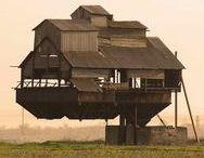 Strange constructions Vreemde constructies