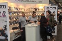Leipziger Buchmesse • AGM - Magazin / Die Leipziger Buchmesse 2013 ruft und das AGM Magazin macht sich auf den Weg! Vom 14. bis 17. März 2013 geöffnet täglich von 10 bis 18 Uhr für allgemeines Publikum und Fachbesucher. Besucht uns doch in der Fantasy-Halle (Halle 2) am Stand G315 oder auf www.agm-magazin.de