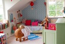 Kids rooms / Des chambres d'enfant rétro, des chambres d'enfant colorées