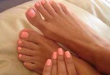 ℘ɛɖıƈųཞɛʂ/ɱąŋıƈųཞɛʂ / My Nails Are Always Changing Colors / by нaley wιllιѕ
