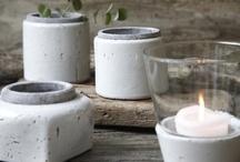 Potter & Krukker / Naturen er en stor trend, og potteplanterne er for alvor igen tilbage i boligindretningen. En smuk hvid krukke som skabt til den lyse nordiske bolig, vi kalder det fashion-interiør - vælg mellem mange unikke krukker fra bransds som Oi Soi Oi, cozy Room, Nordal, Kinto, Hauss mfl..www.houseofbk.com