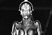 Like Retro-futurism / 人間には、ふさわしい物理的なサイズがある。しかし人間は、科学の進歩の過程で、機械にも空間にも、それを越えたサイズを求めるようになる。 レトロフューチャとは、かつて人類が科学を使って文明に求めた永遠に実現する事のない未来。 / by Sumitto Mochizuki