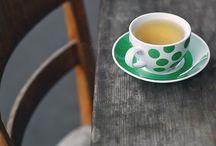 """Tea /  """"Ha lelked fázik  Tested is melegre vágyik...  Magányos vacogásod egy pohár teába zárod.  Érzed ha fúj a szél.  Morog az idő, majd csendben megáll.  Sóhajod a múlt mélyébe száll.  S ha az ébredő jelen hozzád ér.  Fájdalmad jégvermén olvad a tél...""""                                    Zed Koby"""