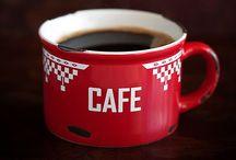 """Kávé / """"Reggeli fürdés, kávé. Omló pirkadat. Ázó reggeli illat vibrál mindenen izzó fényben most, amikor még párás kisszoba-ablak előtt próbálja kinyitni szemét ez a nap."""" ☕️ Székely Szabolcs"""