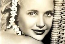 Priscilla Lane - Close Ups / Close up photos of Priscilla Lane.
