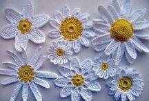 GRANNY'S SQUARES & FLOWERS