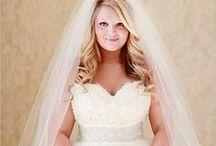 Noiva: Plus Size / Separei algumas sugestões de vestido, para noivas que estão a cima do peso, a fim de ressaltar sua beleza. Espero que gostem =D Observação: Todas as imagens foram compartilhas no próprio Pinterest.