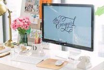Escritório / Separei algumas sugestões de decoração para escritório. Espero que gostem =D  Observação: Todas as imagens foram compartilhas no próprio Pinterest.