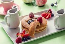 Breakfast / La vera colazione all'americana potete trovarla solo da Bakery House. Il nostro menù ha una vasta scelta tra pan cakes, french toast, plumcakes, granola yogurt e uova con bacon. Enjoy! #breakfast #bakeryhouseroma