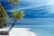 Rejser til Cook Islands / Vi skræddersyr rejser til Stillehavsøerne, hvor du kan vælge at besøge en eller flere øer og kombinere med besøg i lande på begge sider af det spændende øhav. Kia Orana! Velkommen til Cook Islands!  Navne som Tahiti, Cook Islands, Fiji, Samoa og Tonga bringer eventyrlige billeder frem på nethinden. Palmekransede laguner. Hvide sandstrande. Krystalklart vand. Smilende øboer med blomsterkranse om halsen. Nyd det fra de hyggelige små hoteller og resorts.