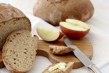 bread... brot / brot ... pane ... pain ... backen